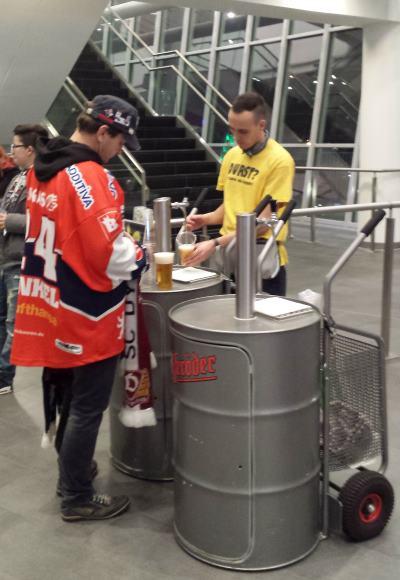 Olutmyynti jääkiekko-ottelu