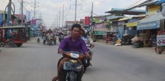 Skootteri Phnom Penhissä