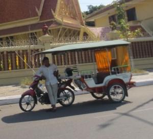 Tuktuk Phnom Penhissä