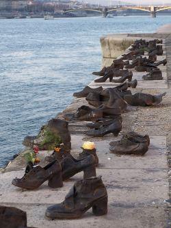 Kengät Tonavan varrella