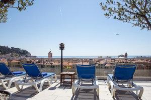 Hotellit Nizza missä uima-allas